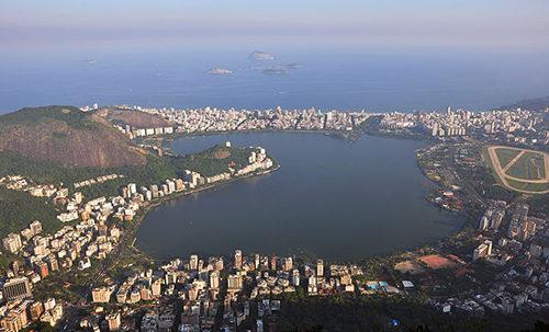 The Rodrigo de Freitas lagoon